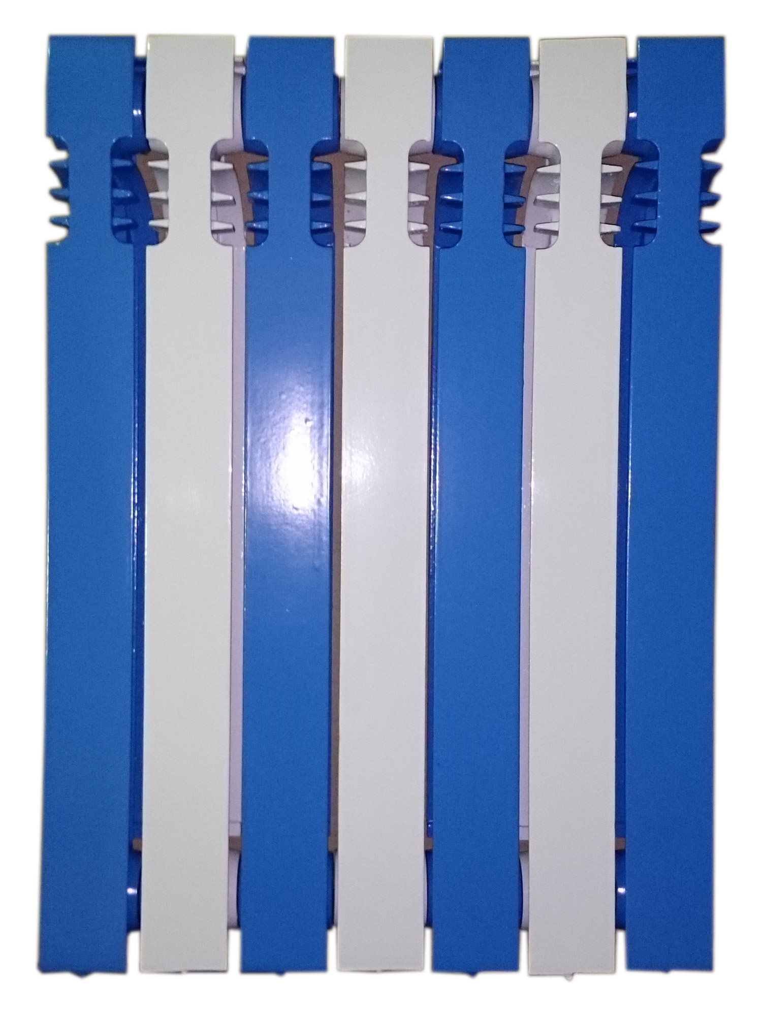 Чугун в синий полосатый цвет